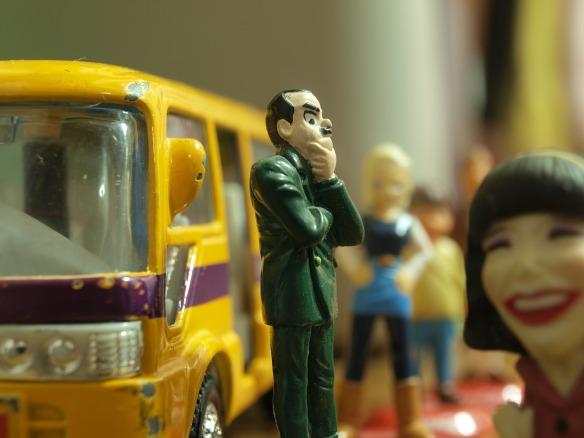 bus-stop-391242_1920.jpg