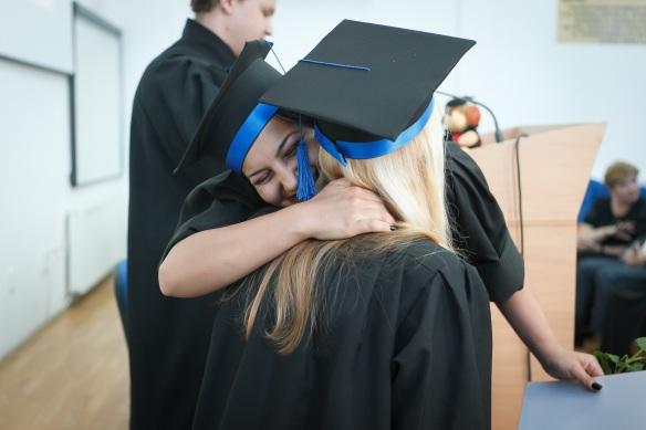 graduation-2038864.jpg